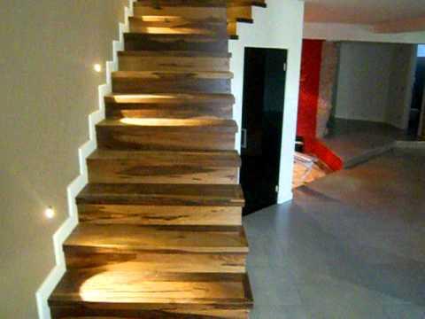 Rivestimento scala in legno parquet massello noce - Scale rivestite in legno per interni ...
