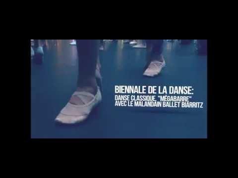 """Danse classique """"mégabarre"""" - Centre de Shopping la Part-Dieu"""