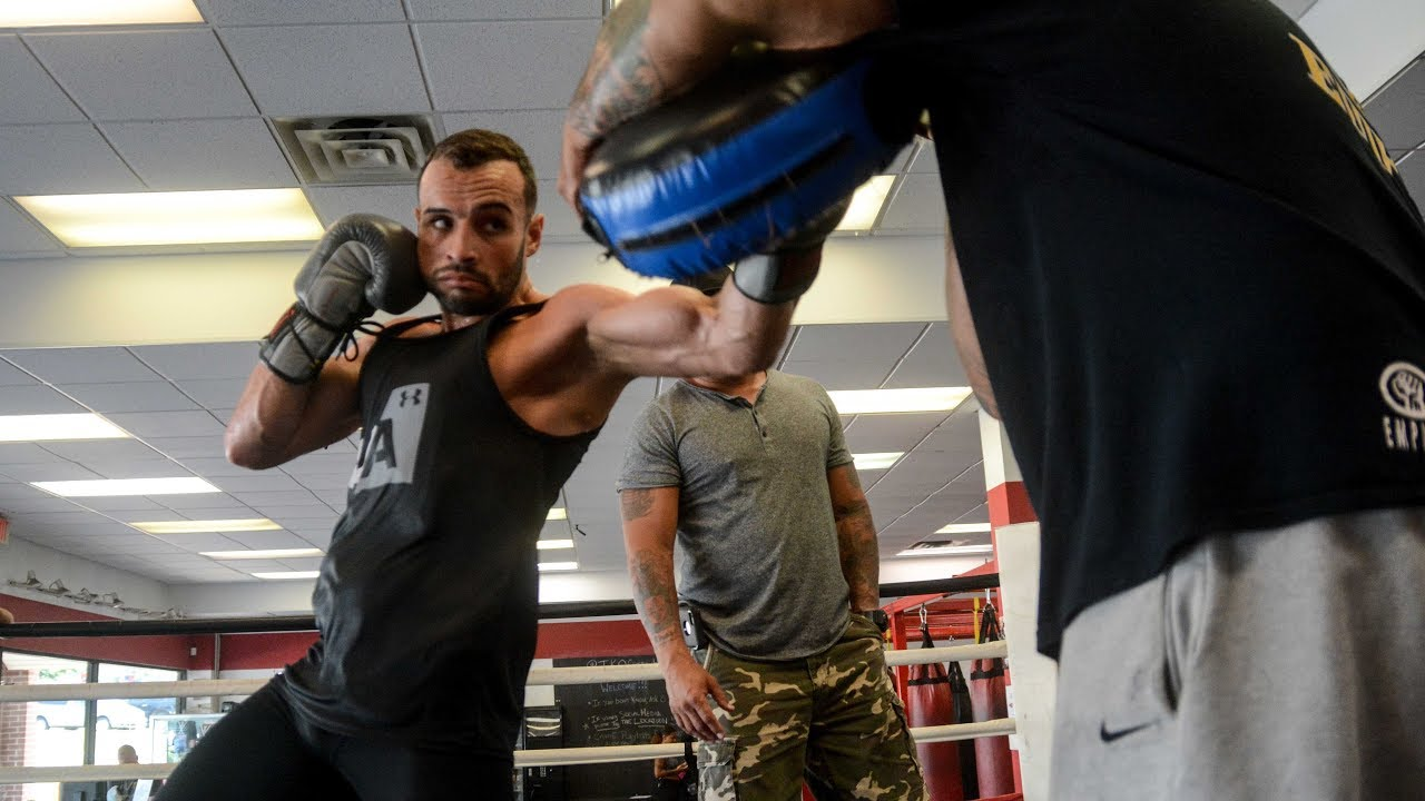 "Christopher ""Pitufo"" Diaz Trains For His World Title Fight."