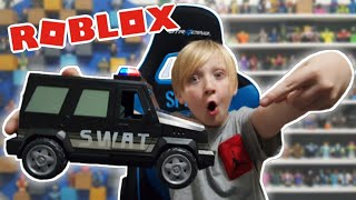 Jailbreak: SWAT UNIT Vehicle / MOM SURPRISED ME CON NUEVOS #ROBLOXTOYS / SWAT GUY & REPEAT OFFENDER