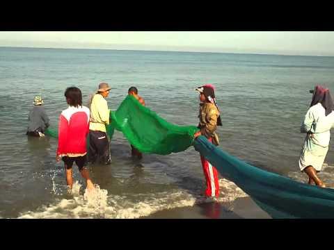 traditional fishermen @Laoag, Ilocos Norte, Philippines