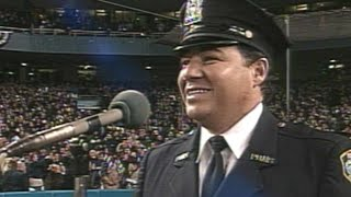 WS2001 Gm3: Rodriguez sings 'God Bless America'