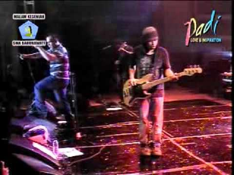 Padi - Sobat ( Live Pensi SMA BARUNAWATI SBY @ TP Convention Hall 2006 )