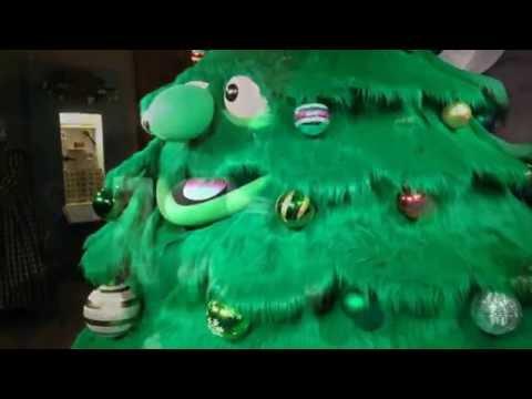 Watch 'Tinsel' the Talking Christmas Tree tell a joke at Old Sturbridge Village (video)