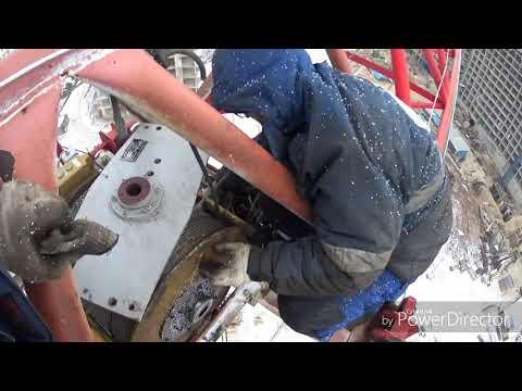 башенный кран QTZ 160 сорвало крепление редуктора каретки