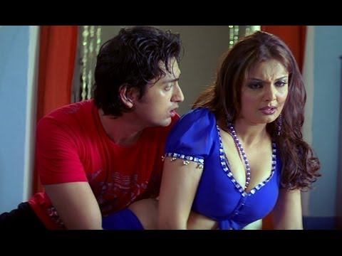 Deepshikha Falls Down On The Floor - Dhoom Dadakka