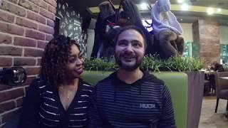 Иностранцы в России #1: Камерунка и индийц в кафе азиатской кухни