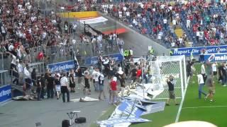 Eintracht Frankfurt - 1. FC Köln 7.5.2011 Platzsturm Randale