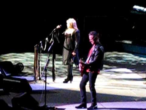 Fleetwood Mac - Gypsy (Live 2009)