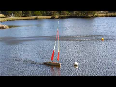 Build and sail an IOM