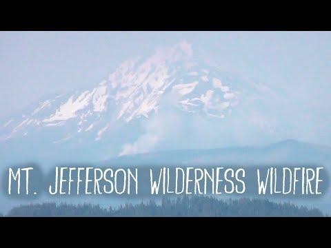 Mt Jefferson Wilderness Wildfire from Carpenter Mtn Fire Lookout, Oregon, USA