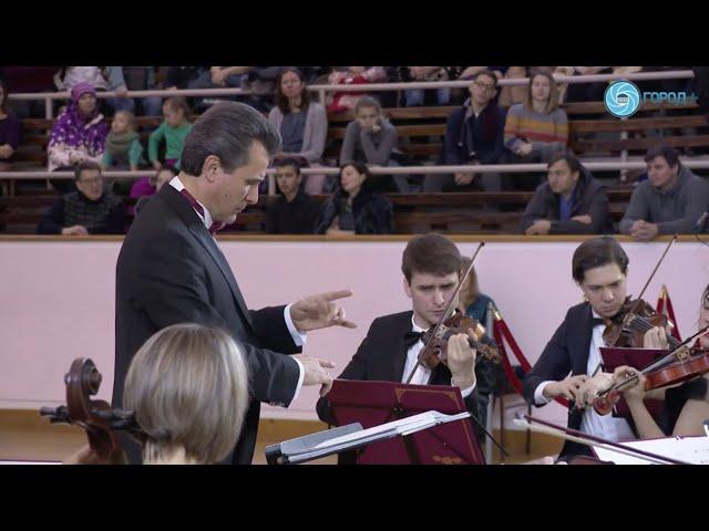 Оркестр «Северная Венеция» поздравляет вас со светлым праздником Рождества Христова!