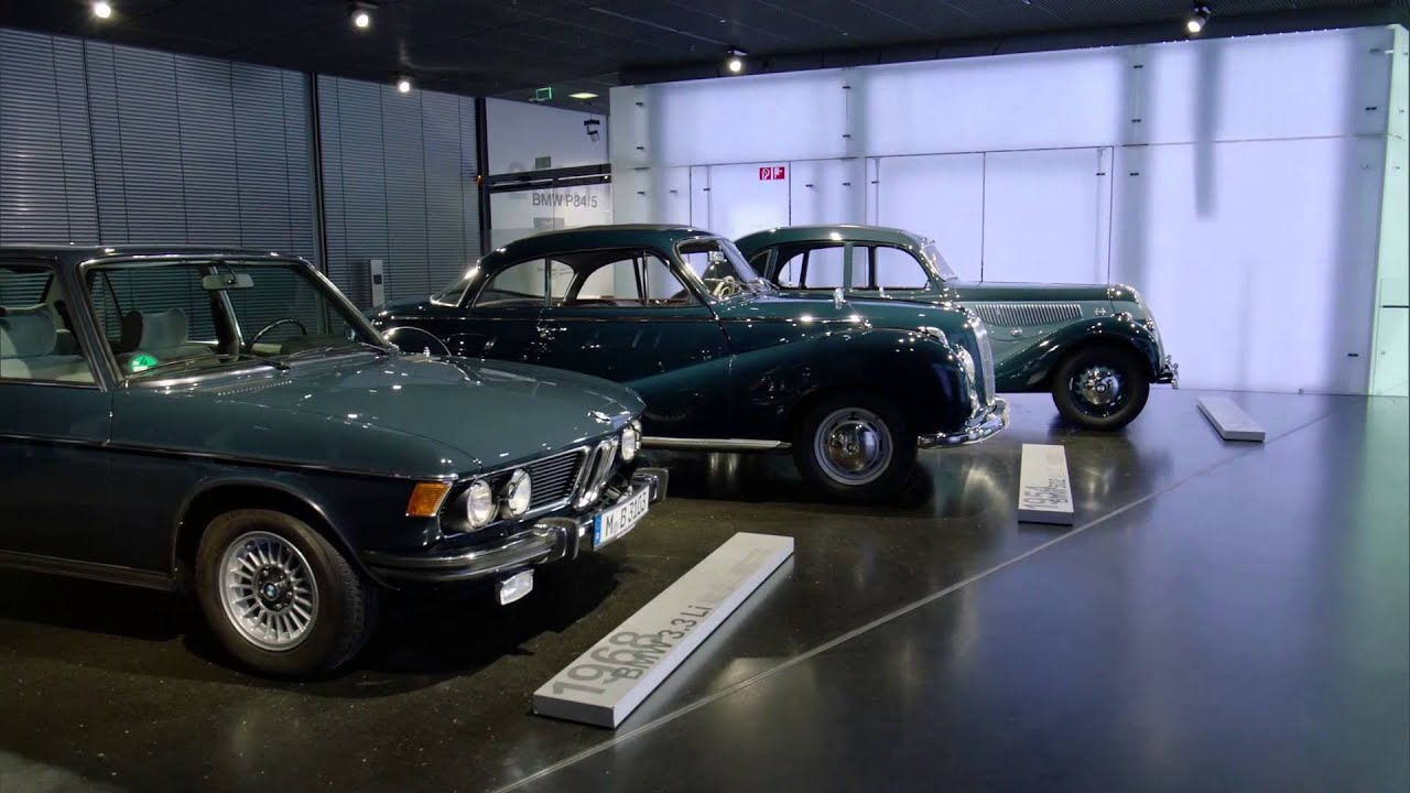 A Night at the BMW Museum - BMW 335 (1939), 502 (1954), BMW 3,3Li ...