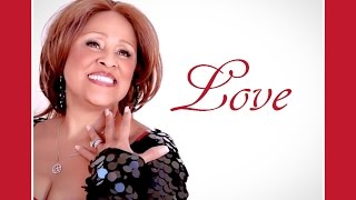 """CHRISTMAS (Baby Please Come Home)"" ★ DARLENE LOVE ❤ Lyrics"