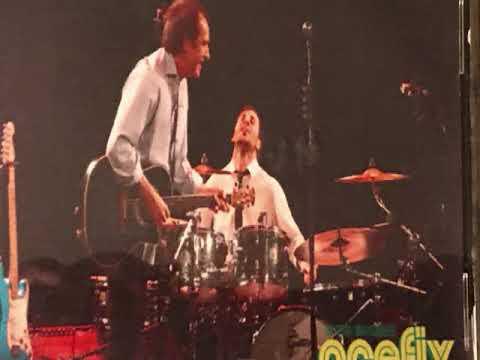 Ray Davies Live In Boston 2009