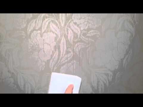 Стираем рисунки детей с обоев меламиновой губкой