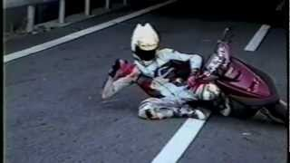 【お勧め】バイクの走り屋・スクーター肘スリ等のパフォーマンス thumbnail