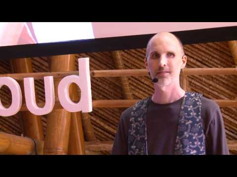 Weaving a new approach to poverty alleviation: William Ingram at TEDxUbud
