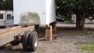 How to remove truck box