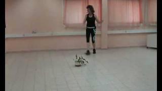 ישראלית - ריקודי, מדגימה תמי דביר