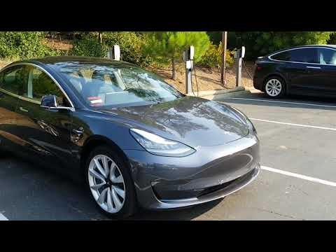 Tesla Model 3 - na živo, exterier a srovnani s modelem S