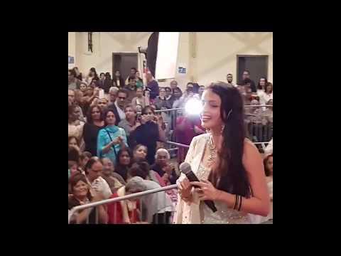 Shrenu Parikh | Gauri Kumari Sharma | Singing in a Live Show