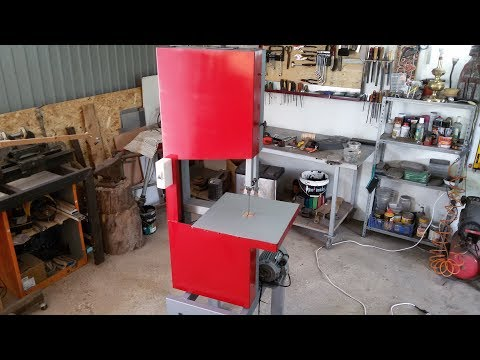 Very cheap and cool DIY Bandsaw