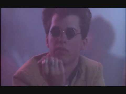THE RAVE-UPS - Positively Lost Me - PRETTY IN PINK