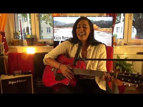 Kayla Marque im Livestream von Unplugged Wohnzimmer