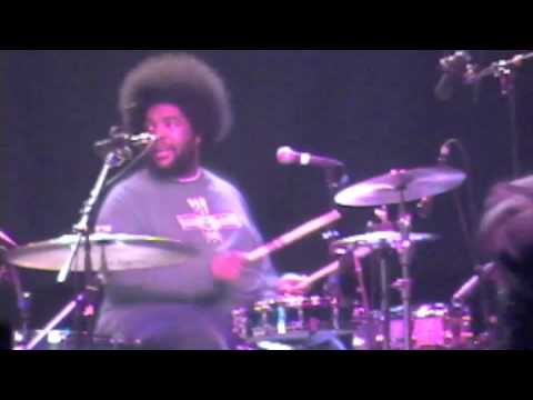 GURU performs You Know My Steez  with THE ROOTS  OkayPlayer Tour 2000