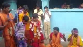 Kne katakata jauchhe gadi gooo sagada gadi....small boy singing odia sambalpuri song