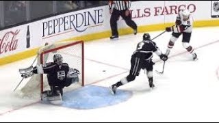 10 Minutes of Jonathan Quick Highlights