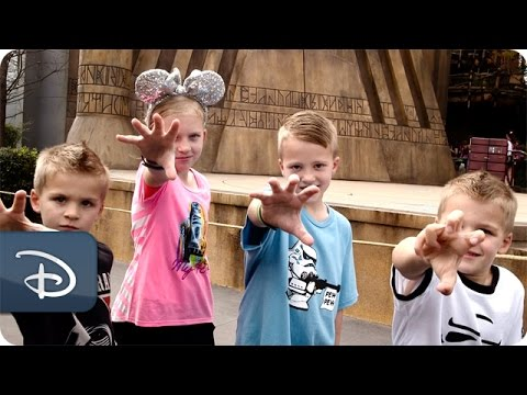Family Fun Pack Experience the Star Wars Galaxy | Walt Disney World