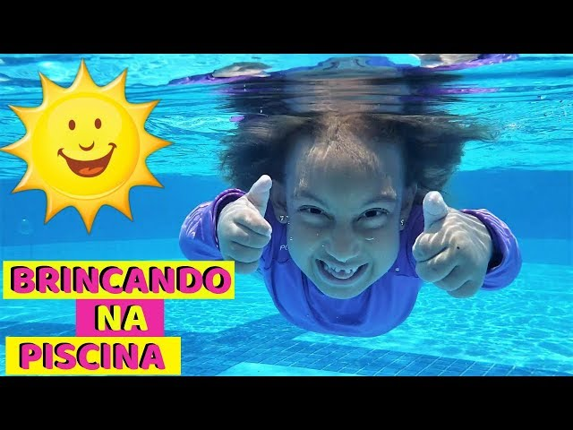 Maria Clara Brincando Na Piscina Mc Divertida Youtube