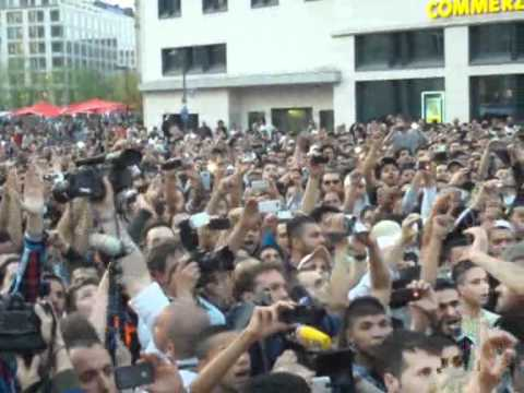 More than 1500 People in Germany saying the Shahada !The Shahada is the Muslim declaration of Faith.