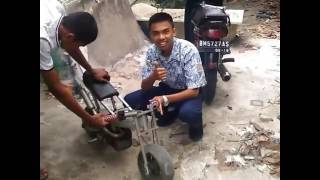 Download Video Tes honda rakitan mocil(motor kecil) MP3 3GP MP4