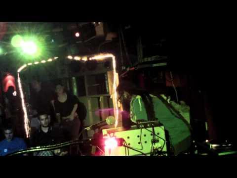 I-mitri LIVE on DubwiseHiFi Sound System Oct 2011 [HD]