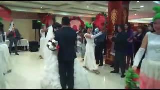 Вход жениха и невесты.87785290696