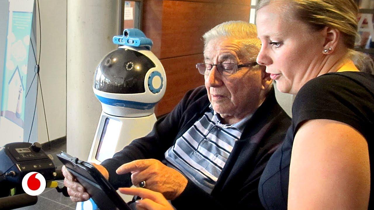 Robots que nos ayudarán a cuidar de nuestros mayores