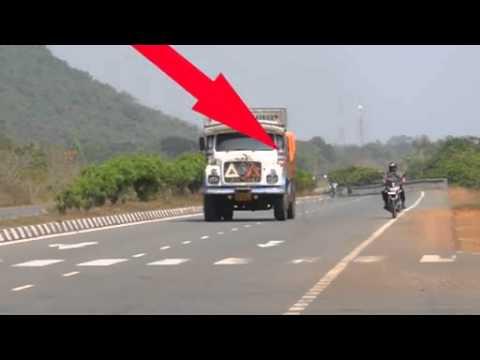Real Ghost Crossing Road   (Gaanabajateyraho.com)