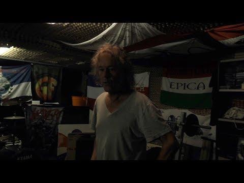 Behind the Music: vader van Mark Jansen laat oefenruimte zien