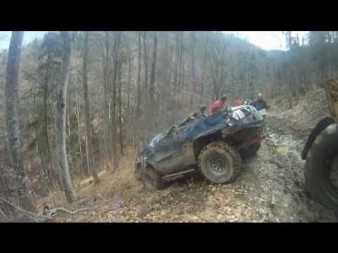 Accident off-road Nissan Patrol Y61