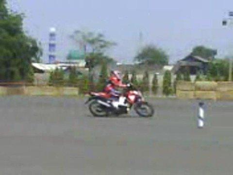 Honda CS1 Two Wheels Slalom Test Ride