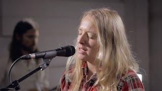 Смотреть клип Lissie - Sleepwalking