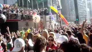 Parada Gay 2010 - Raining Men