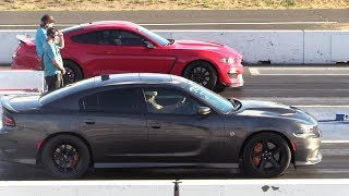 Shelby GT350 vs Hellcat Charger - drag race
