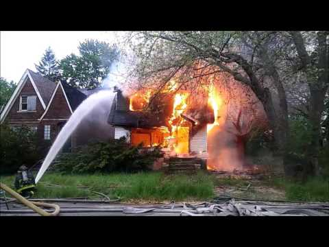 5-19-17, 8260 E Robinwood, Detroit, Michigan, Dwelling Fire