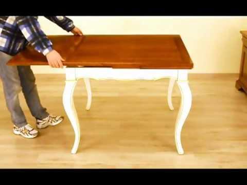 tavolo allungabile 100x100 con piano in noce e gambe
