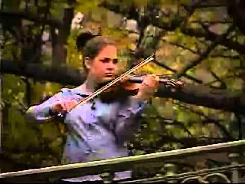 November 16, 2003, New York City - Jessica Linnebach
