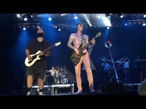 Machine Gun Kelly - 27  (Live At Summerfest 2018)